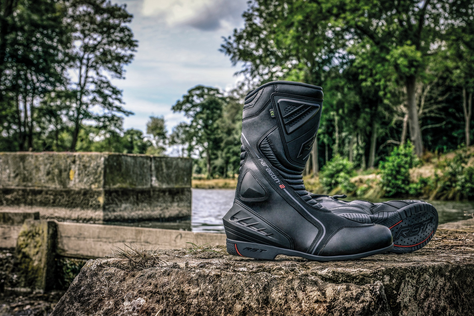 101568-rst-paragon-ii-waterproof-boot-lifestyle-01