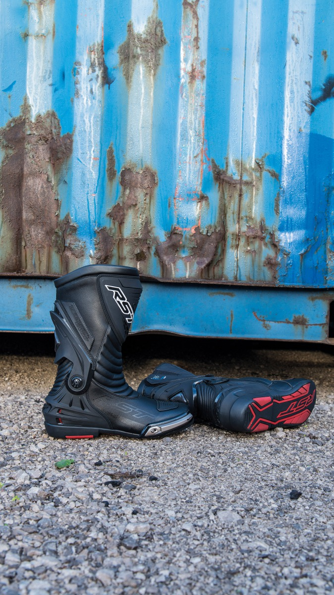 102102-rst-tractech-evo-waterproof-boot-lifestyle-01