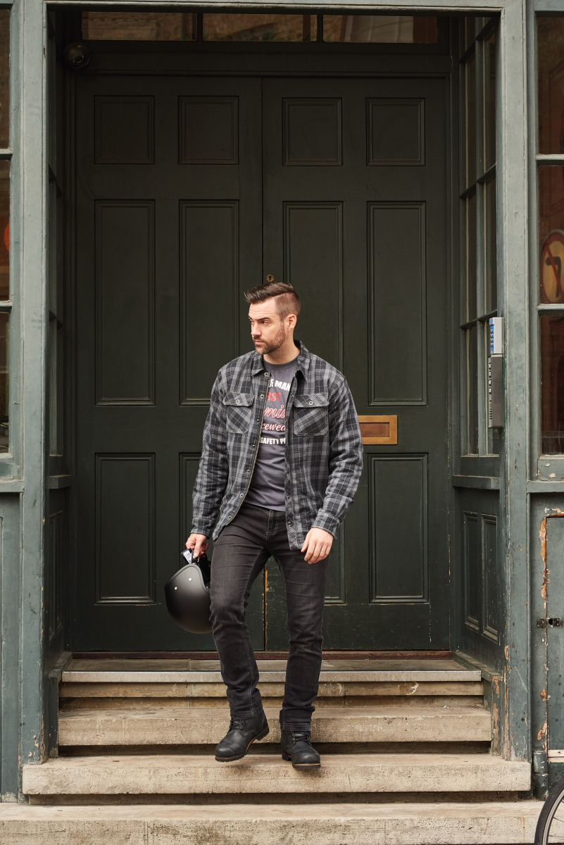 102115-rst-reinforced-lumberjack-shirt-grey-lifestyle-01