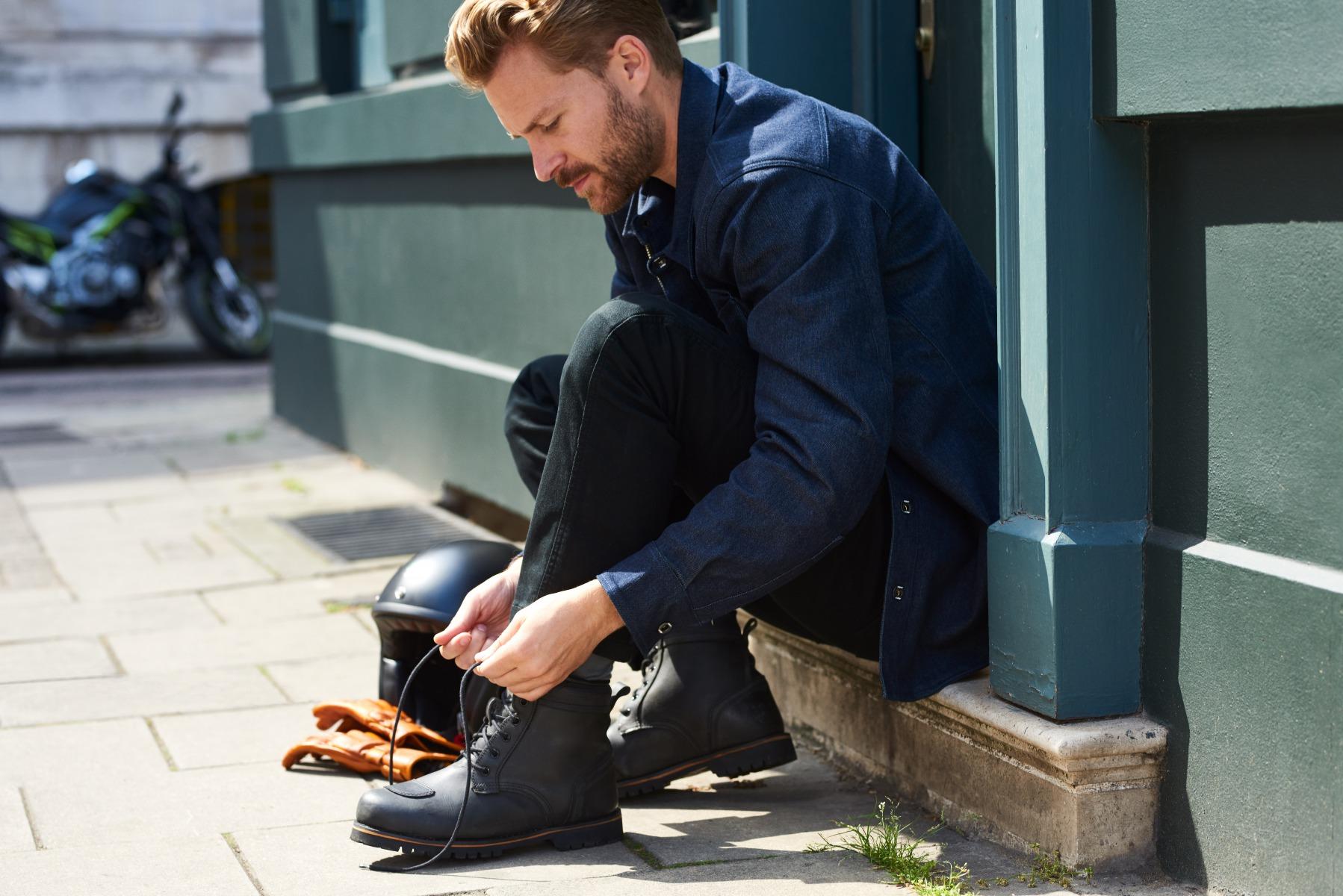 102146-rst-roadster-ii-waterproof-boot-black-lifestyle-01