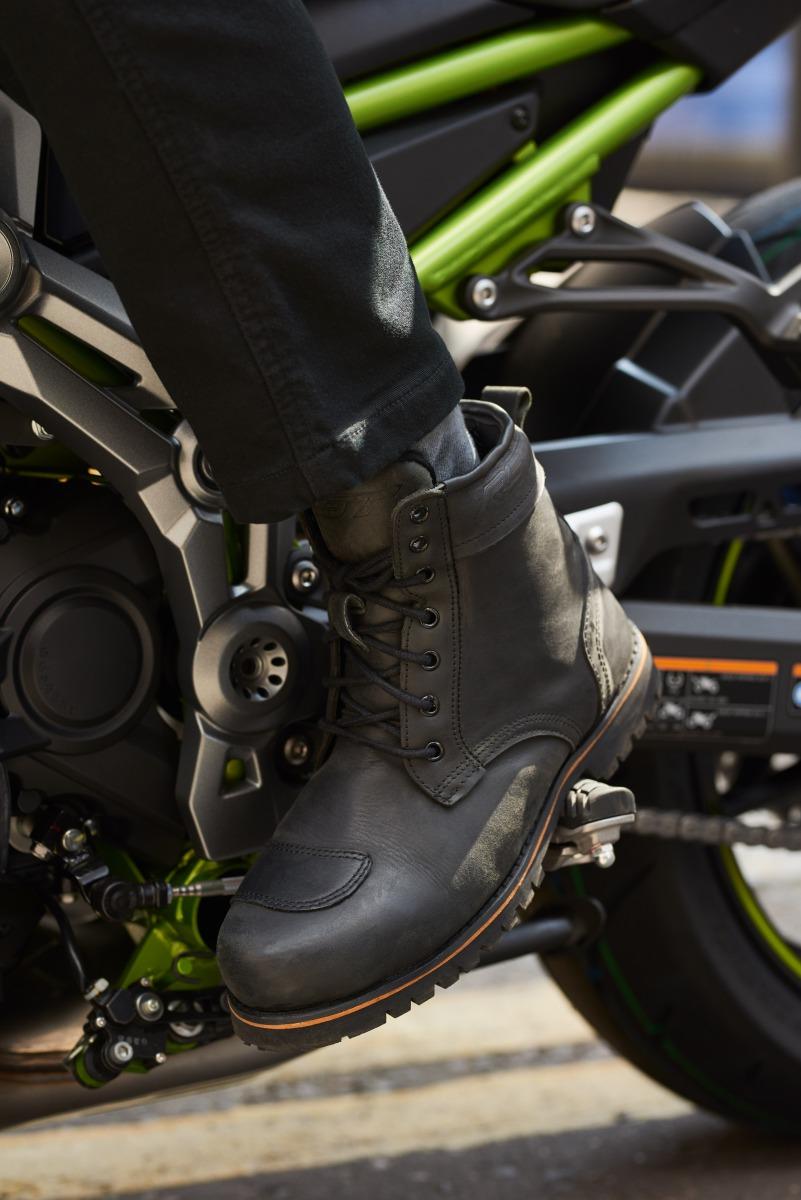 102146-rst-roadster-ii-waterproof-boot-black-lifestyle-02