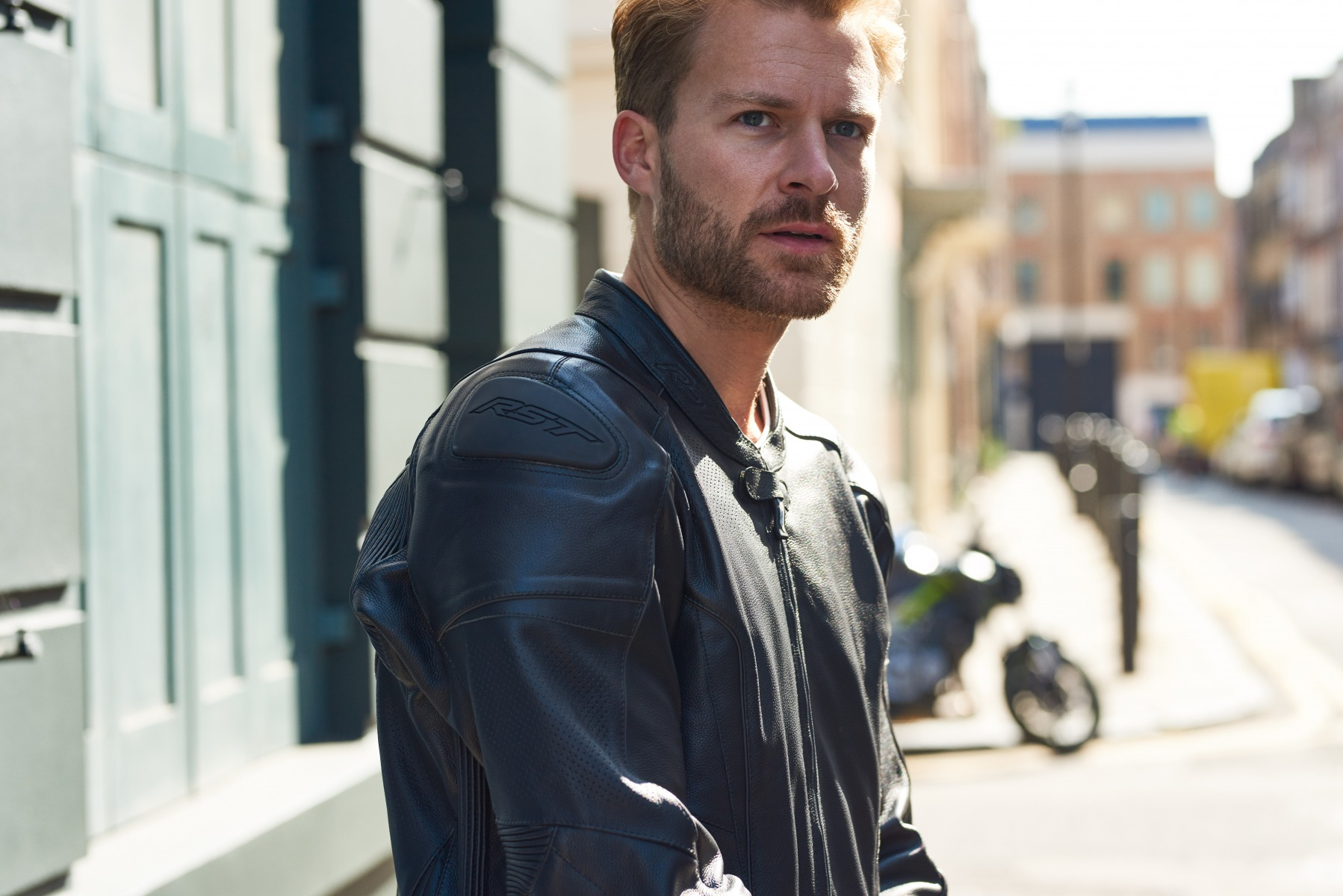 102190-rst-gt-leather-jacket-black-lifestyle-02