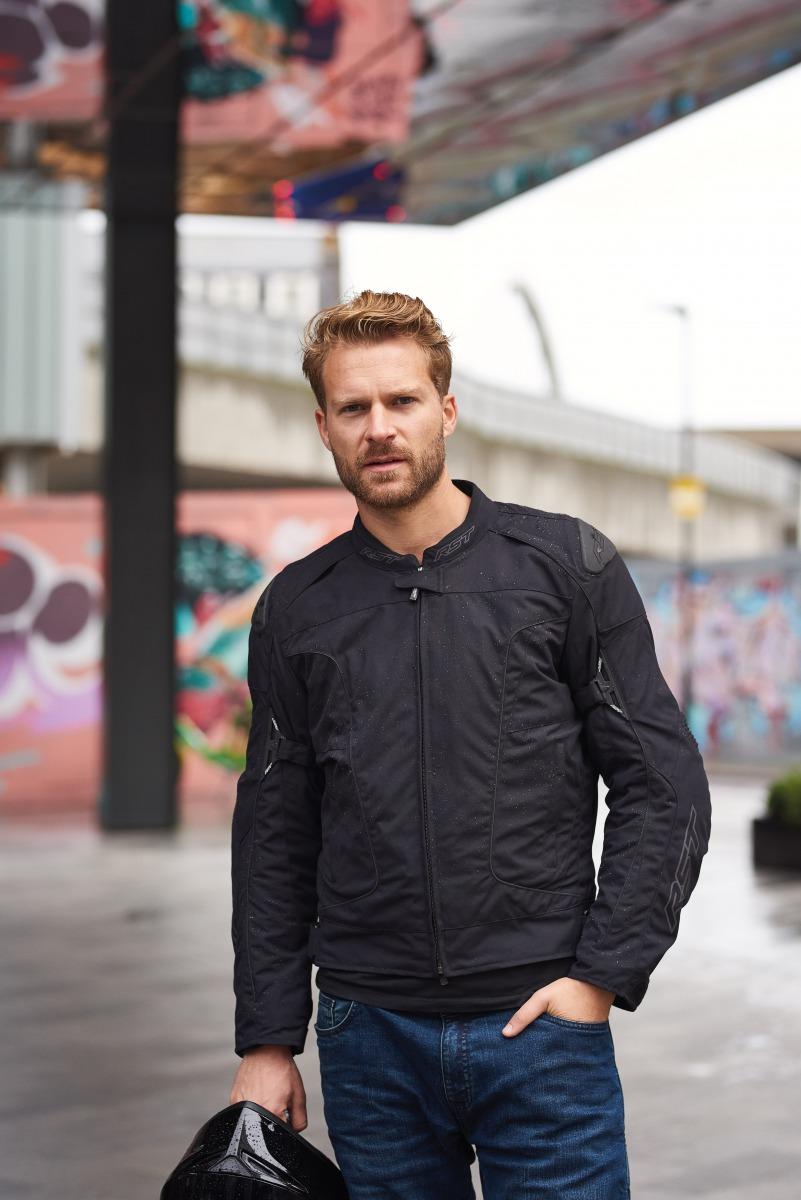 102196-rst-gt-textile-jacket-black-lifestyle-02