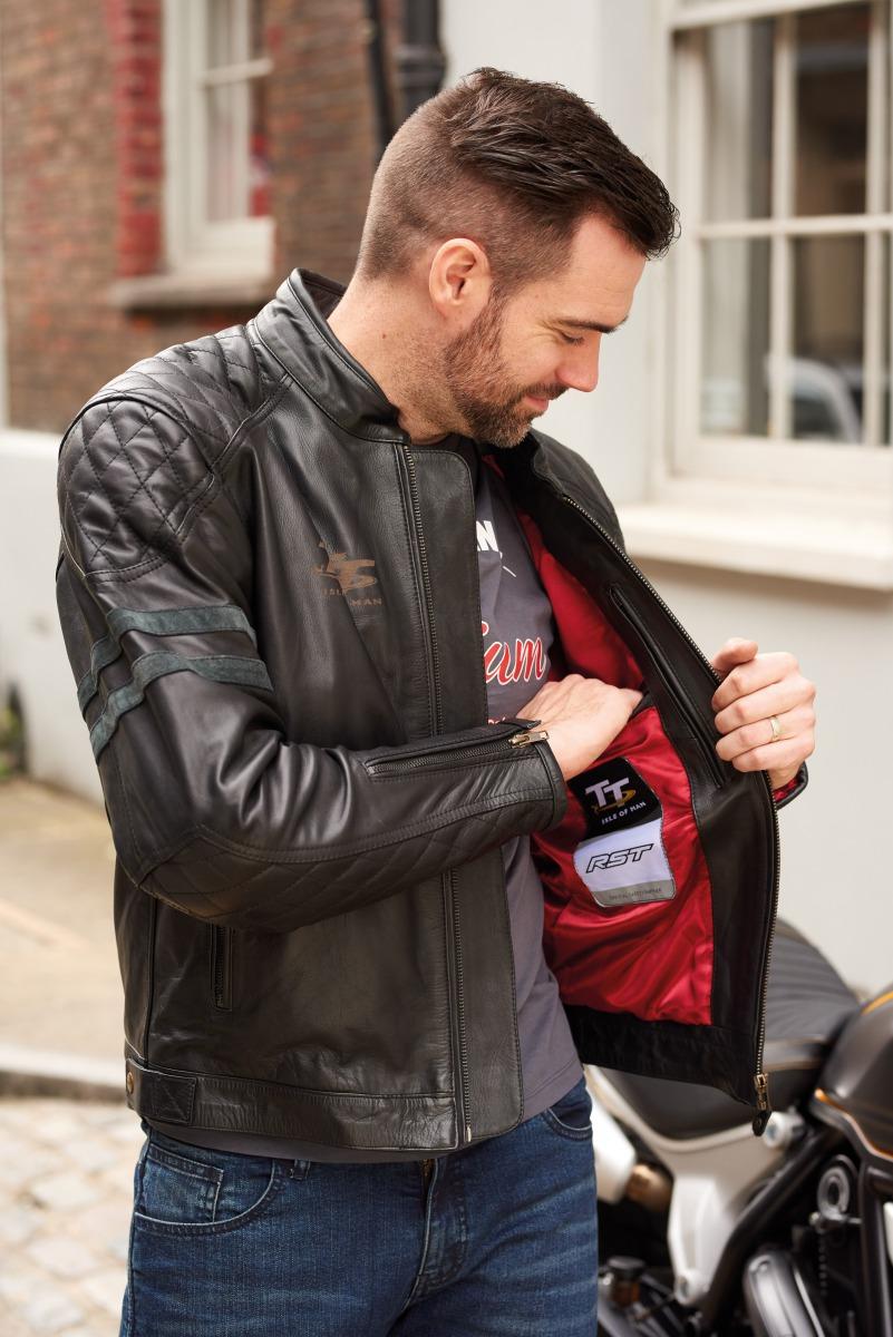 102232-rst-iom-tt-hillberry-leather-jacket-black-lifestyle-03