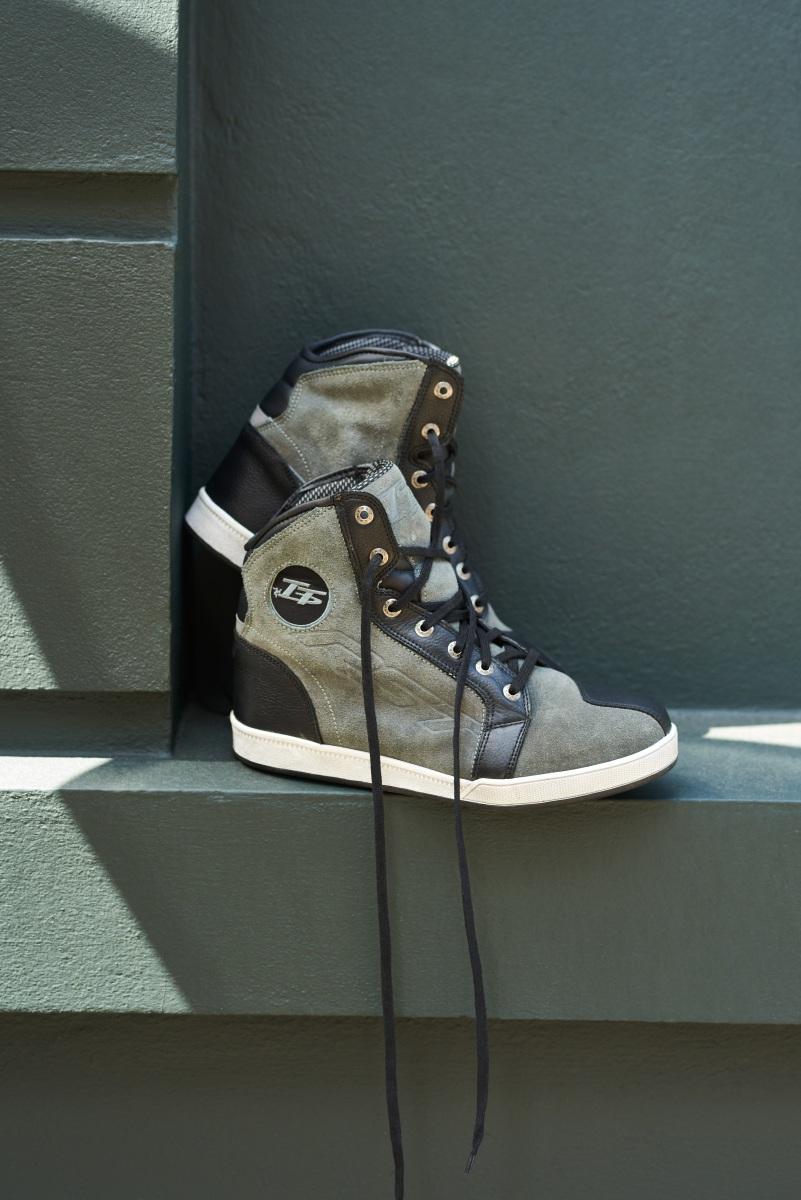 102244-rst-iom-tt-crosby-suede-boot-grey-lifestyle-02
