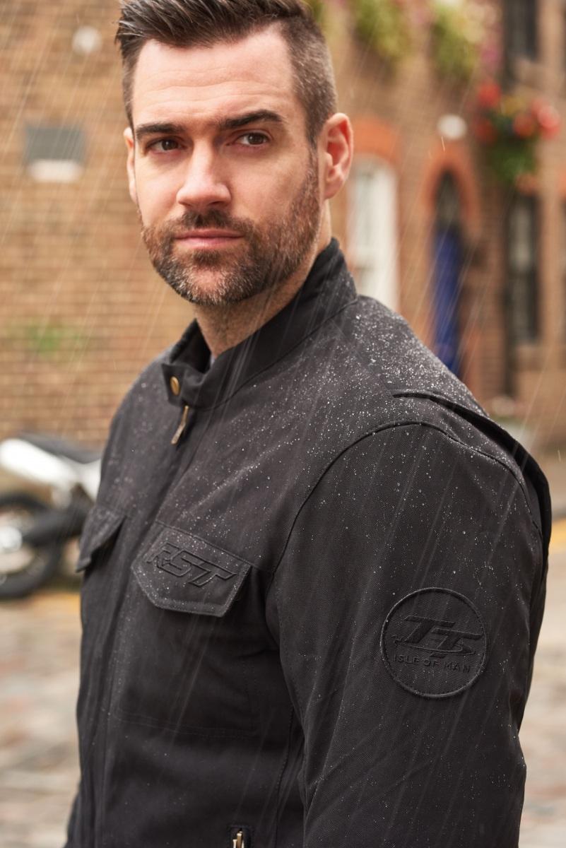 102296-rst-iom-tt-crosby-jacket-black-lifestyle-01