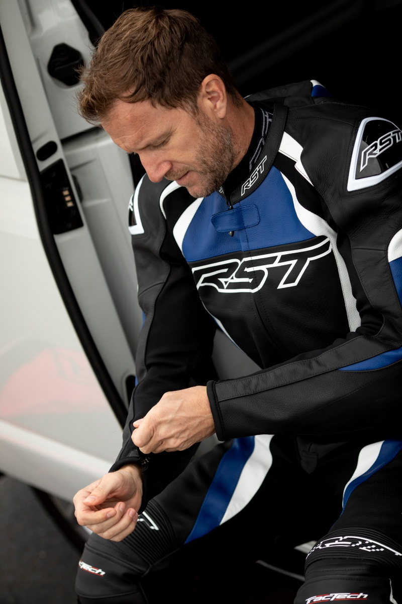 102357-rst-tractech-evo-4-leather-jacket-blue-lifestyle-02