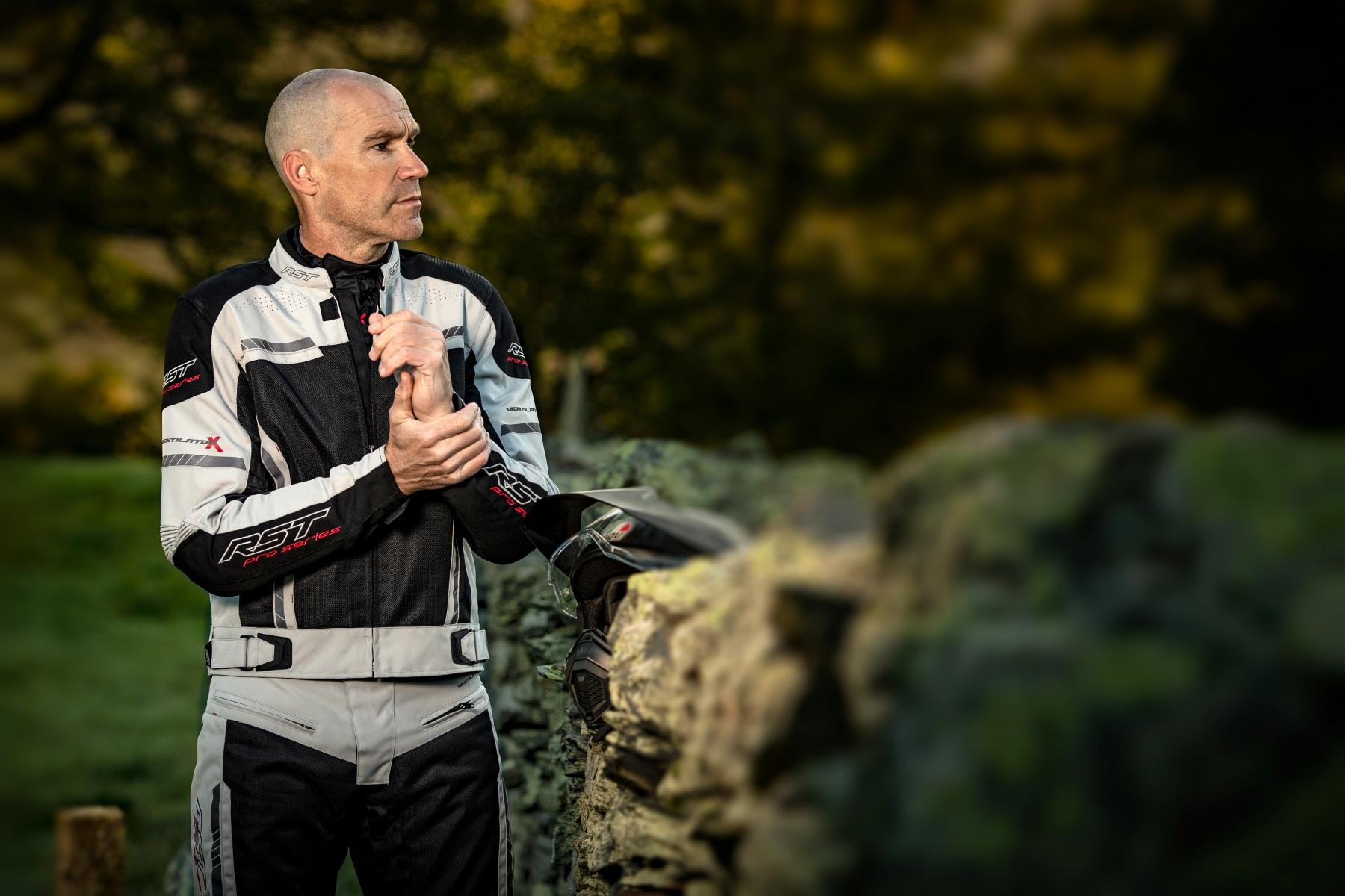102367-rst-pro-series-ventilator-x-jacket-silver-lifestyle-01