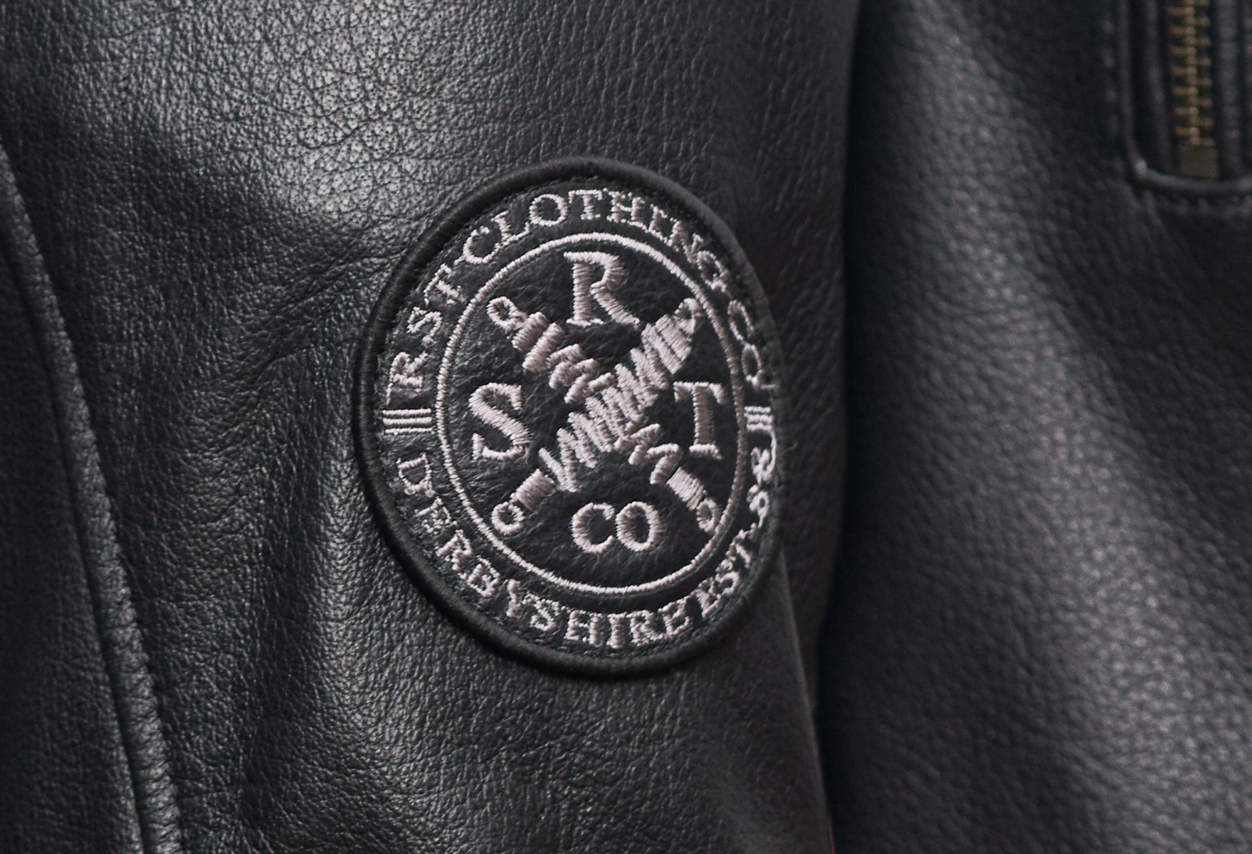 102376-rst-matlock-leather-jacket-black-lifestyle-02