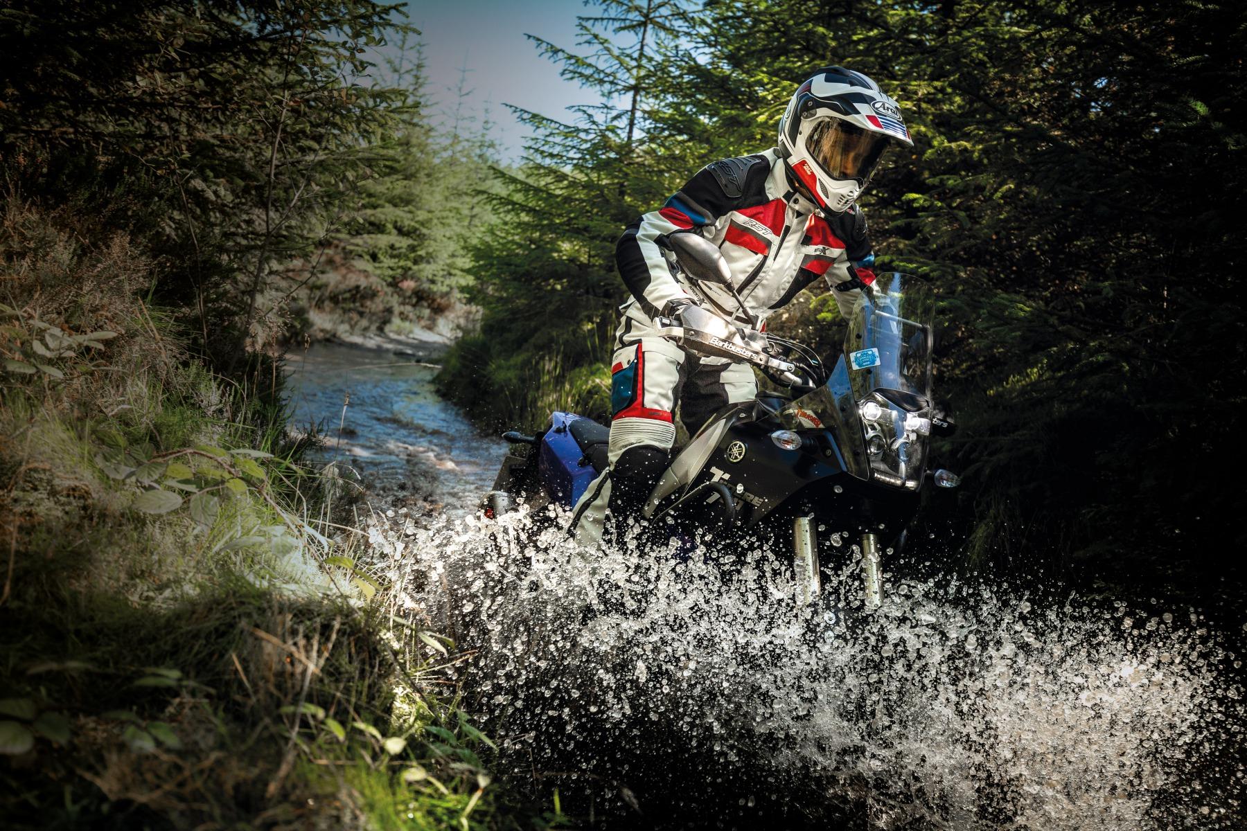102409-rst-pro-series-adventure-x-jacket-blue-lifestyle-01