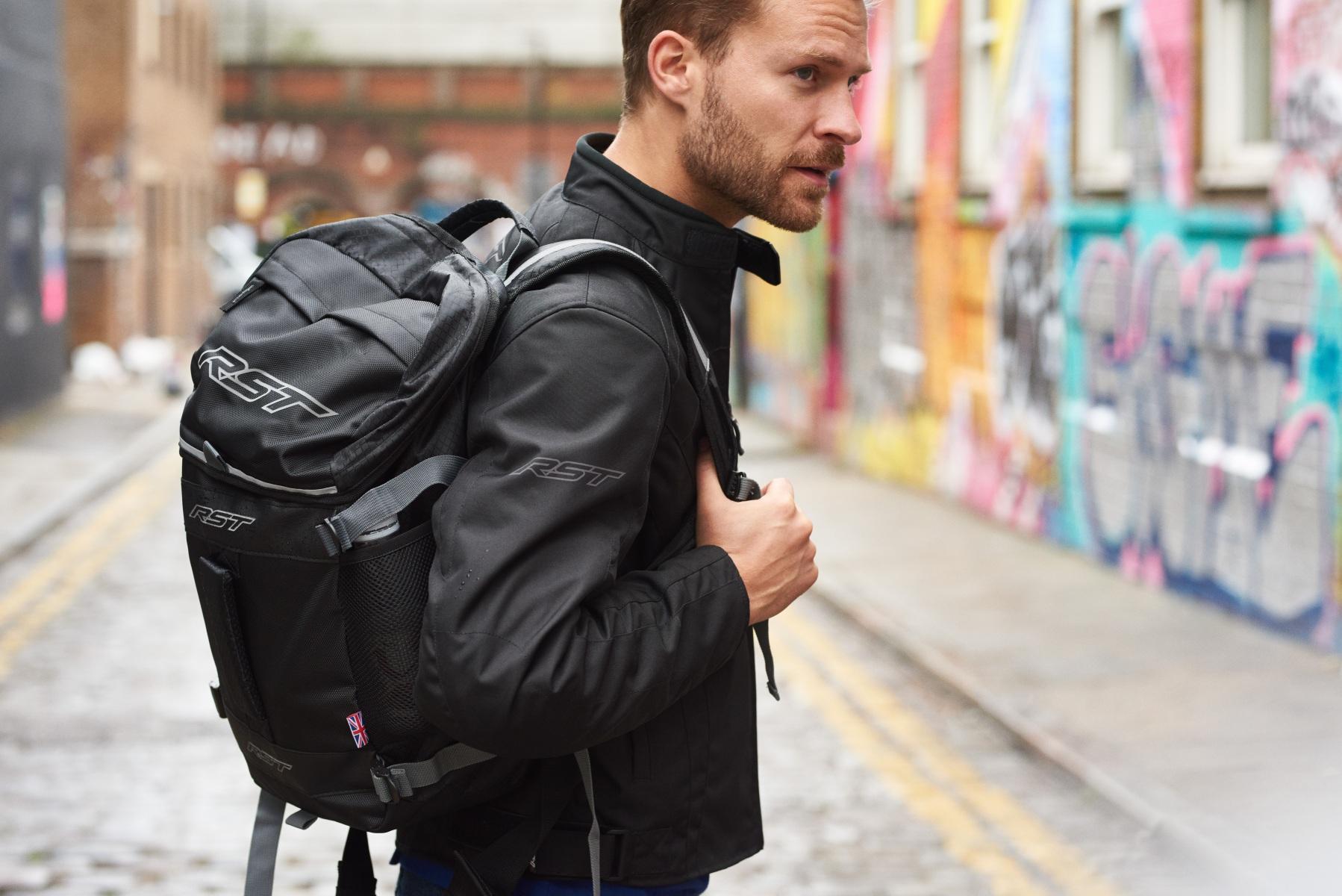 102478-rst-rider-dark-textile-jacket-black-lifestyle-01
