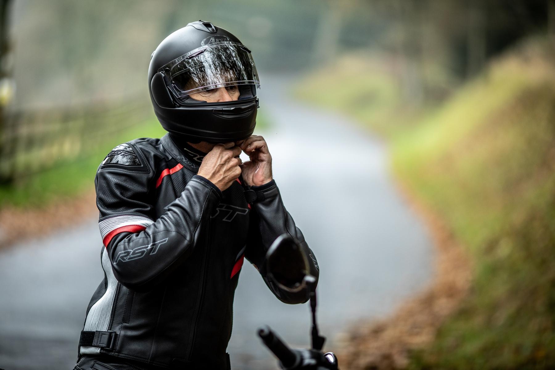 102530-rst-sabre-ce-mens-leather-jacket-1