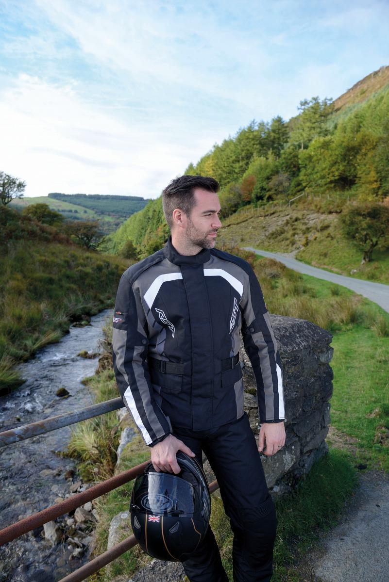 102726-rst-alpha-iv-textile-jacket-grey-lifestyle-01