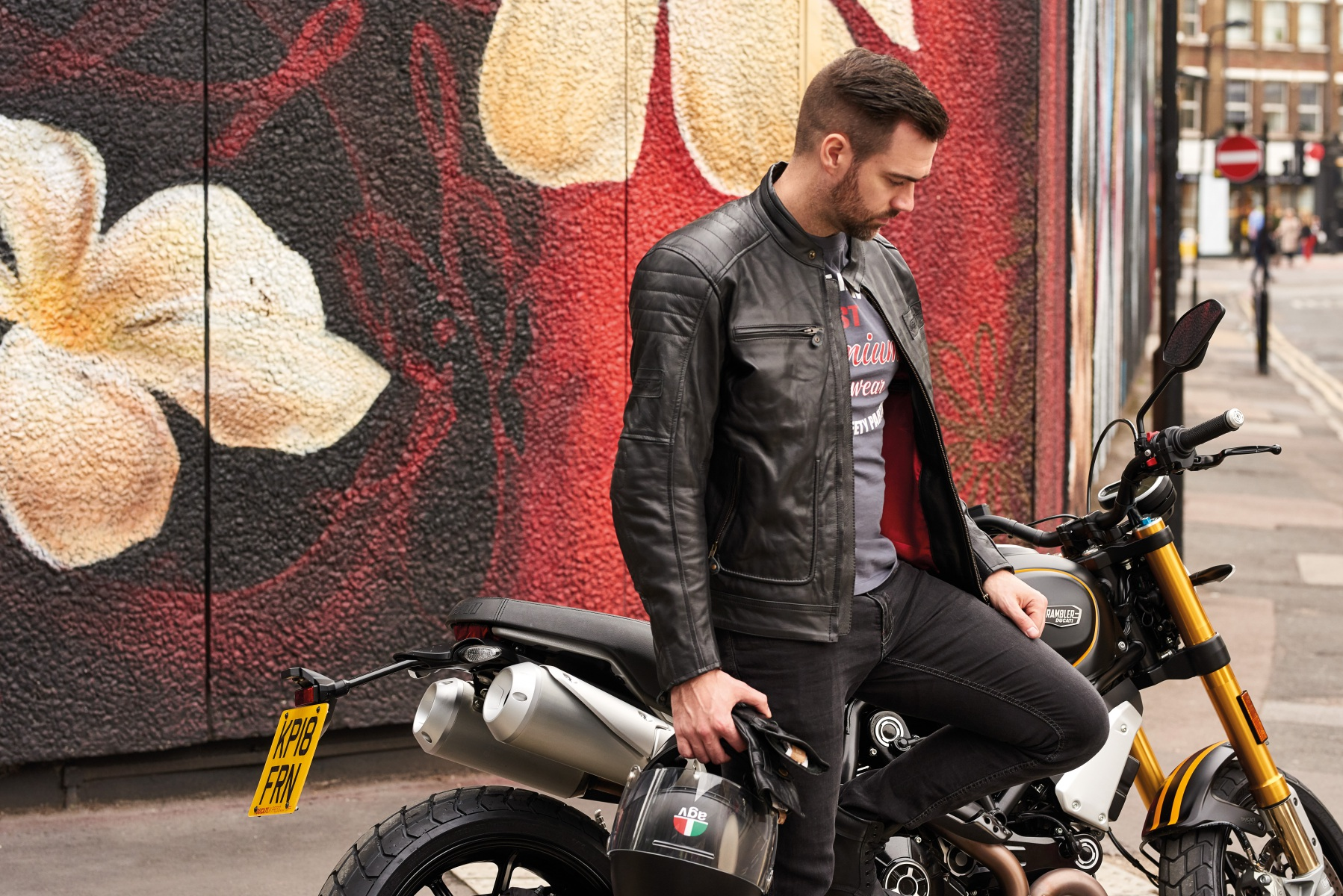 102833-rst-roadster-ii-leather-jacket-black-lifestyle-01