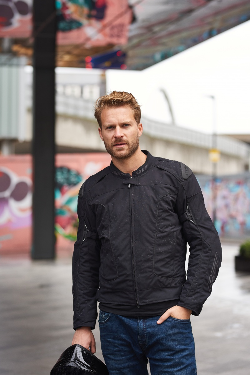 102974-rst-gt-airbag-textile-jacket-black-lifestyle-02